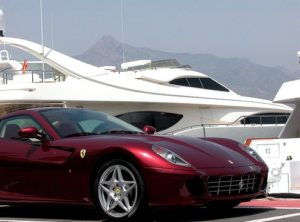 Copy-of-ferrari_puerto_banus_parked_yacht_banus_marbella_spain1